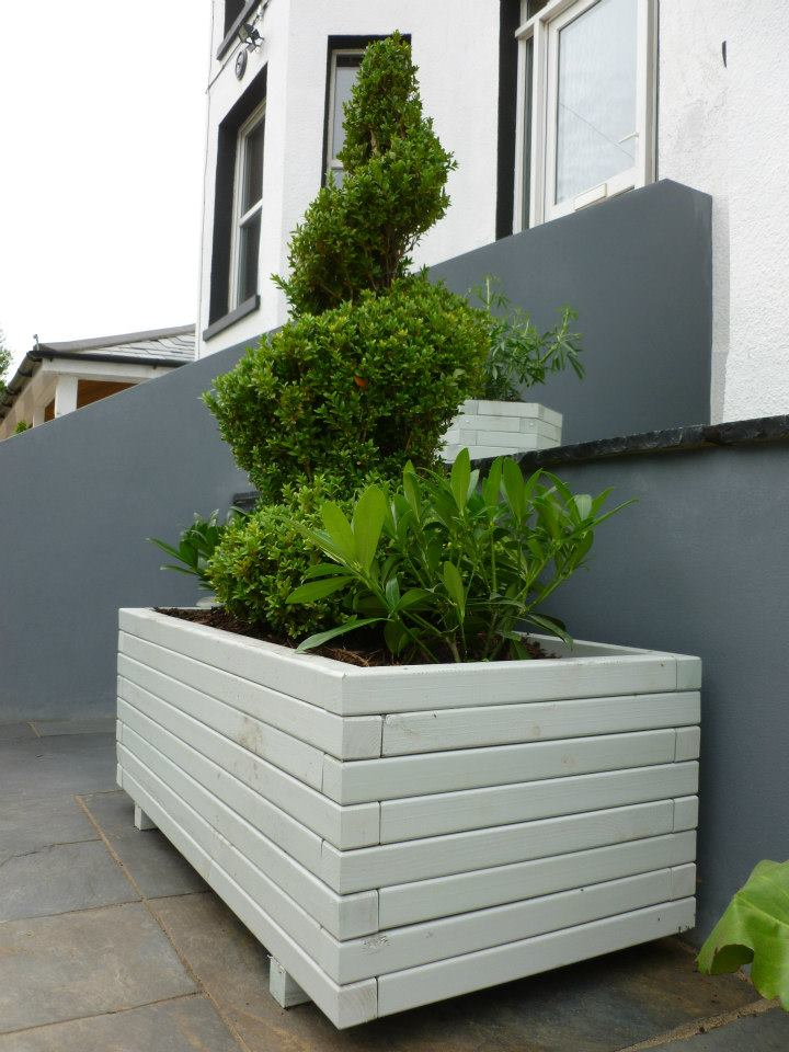 Grange Elite Trough, planted by CMA Garden Design