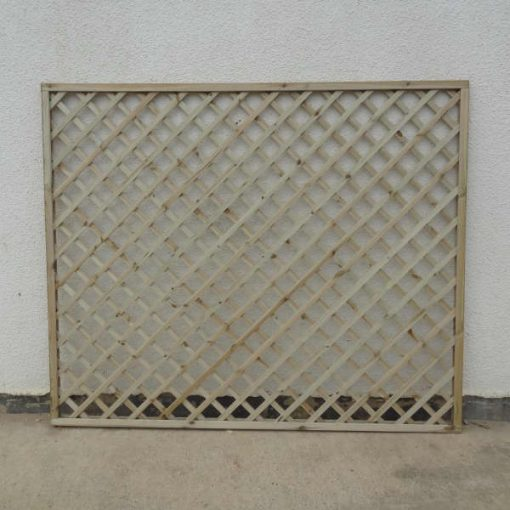 Flat Top Framed Lattice Trellis