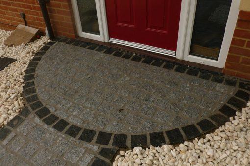 Silver Grey & Black Granite Setts