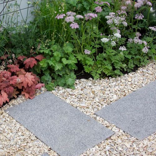 Yorkshire Cream chippings with paving and planting