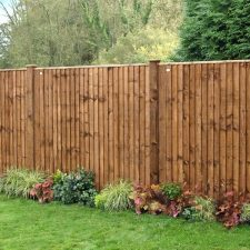 Fence panels and picket fences