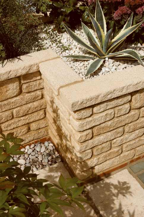 Countrystone Walling & Textured Coping