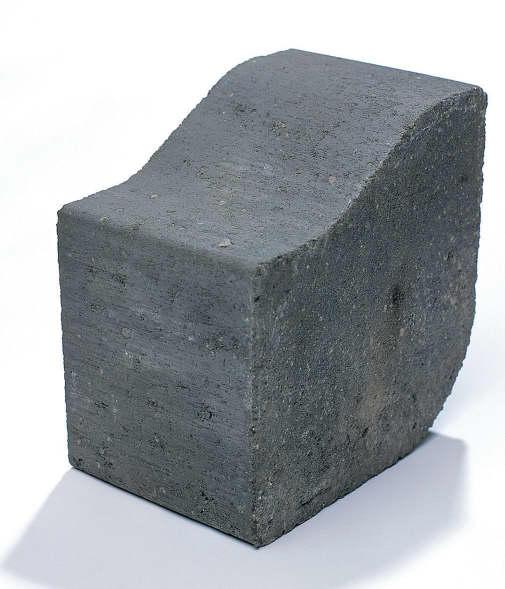 Medium Charcoal Kerb