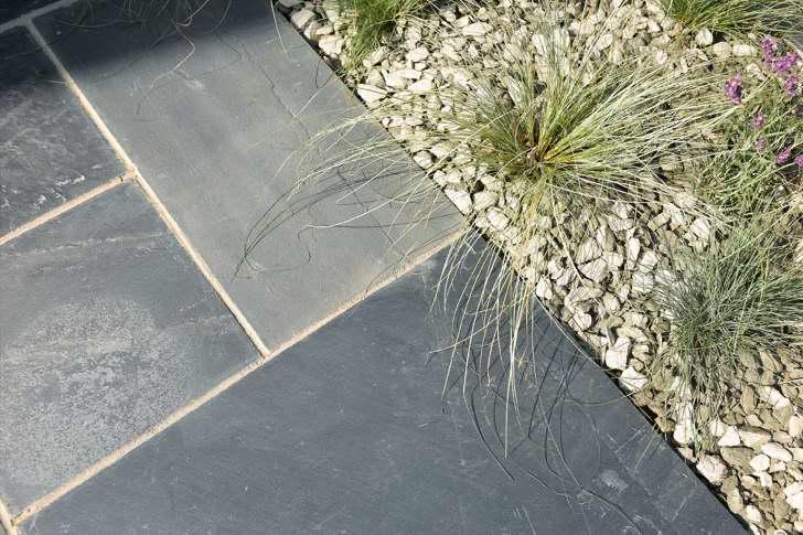Natural Black Slate : Bradstone natural slate paving kebur