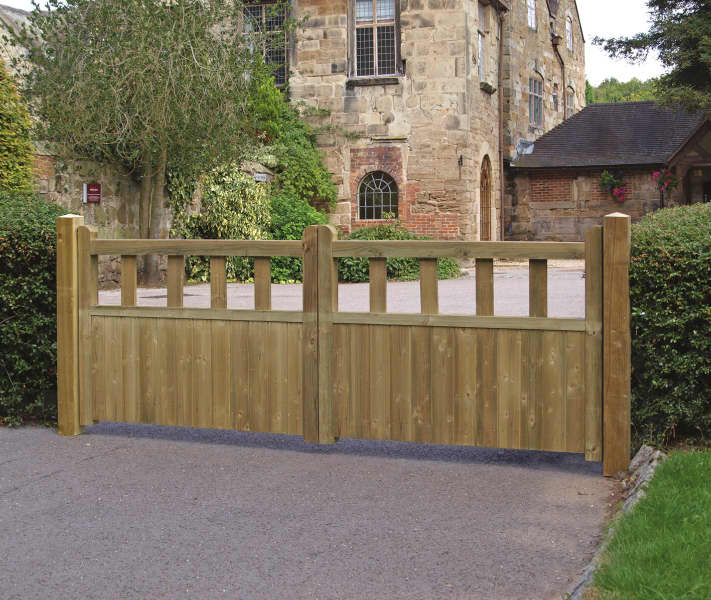 Grange Fortress Driveway Gate Kebur