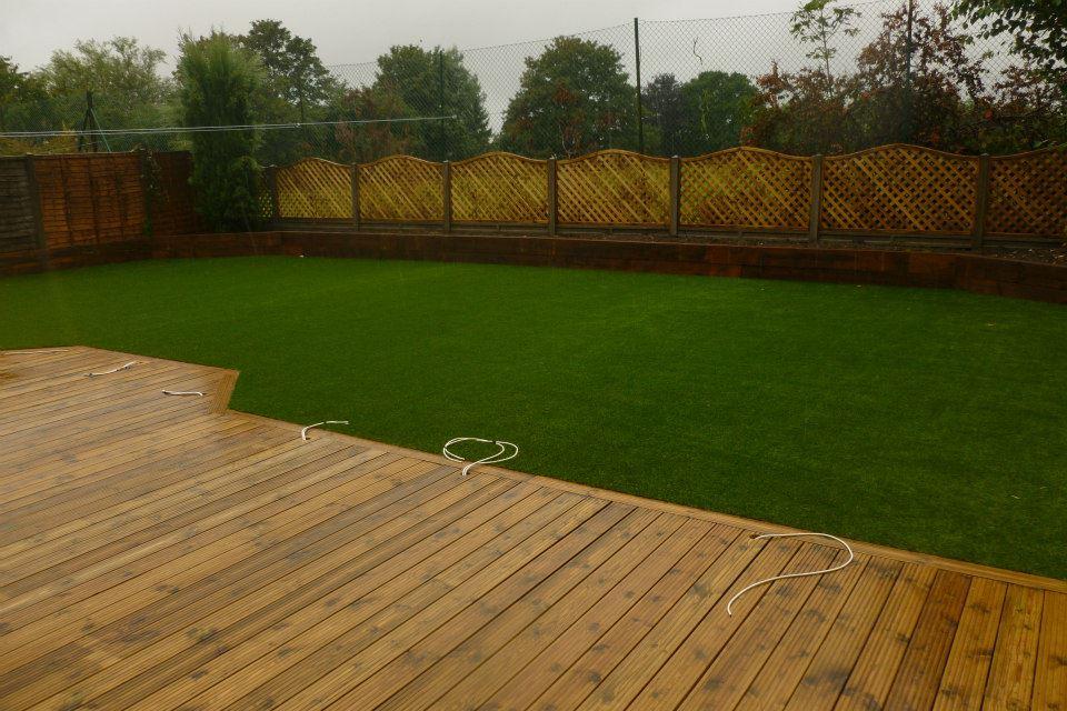 September update kebur for Garden decking with artificial grass