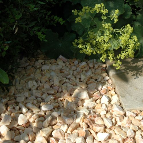 Onyx marble chippings with planting