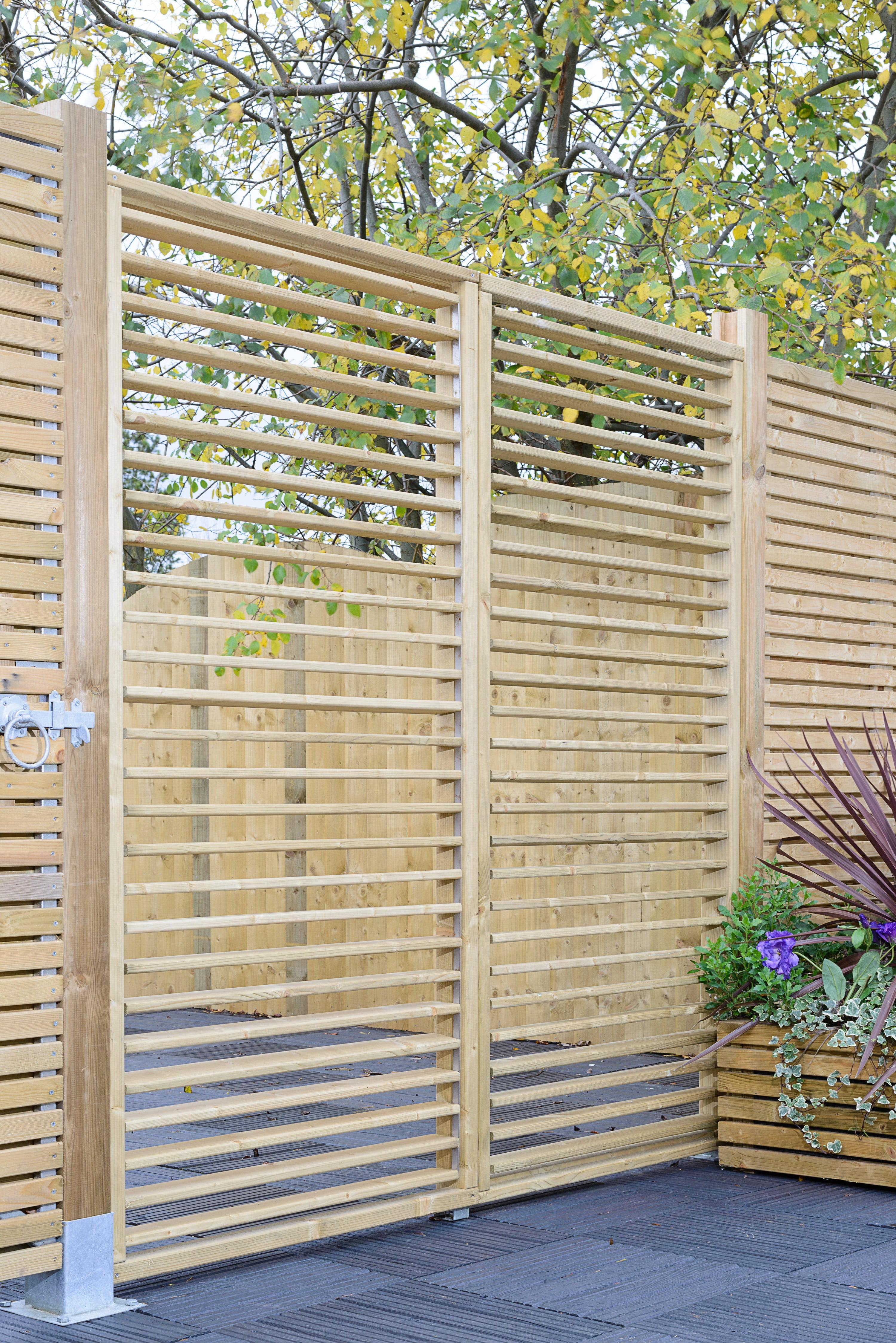 Grange Adjustable Slat Garden Screen Kebur