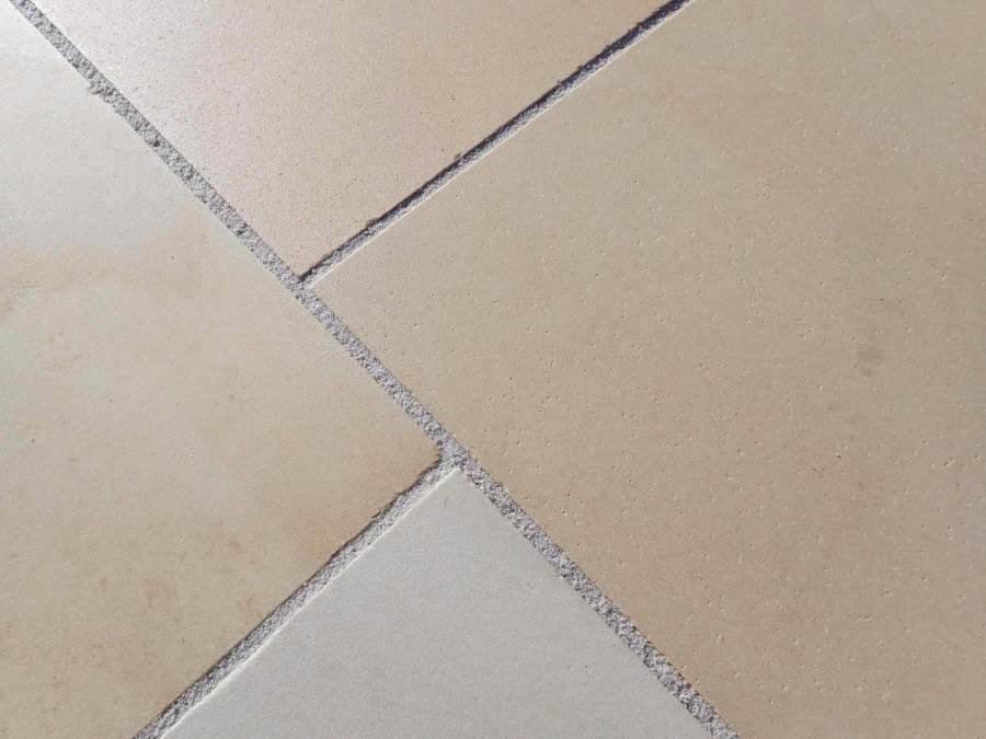 Kebur's Contempo Honed Sandstone