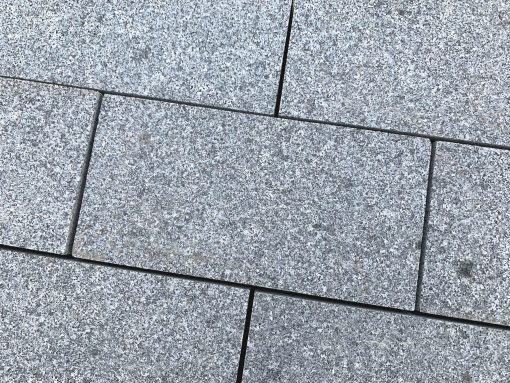 Mid Grey Sawn Granite Setts