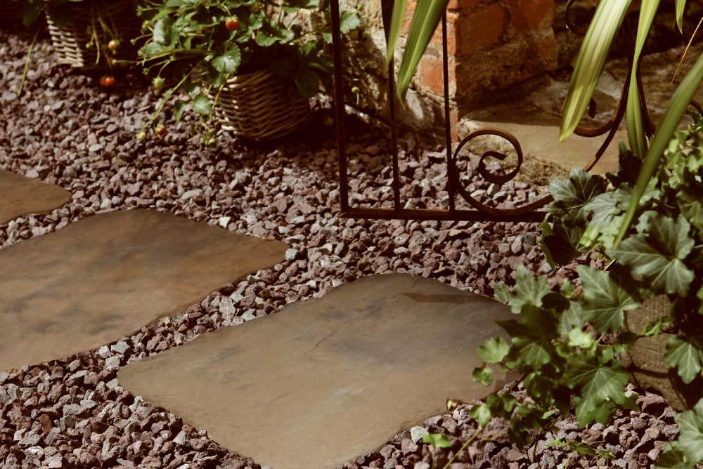 10 Landscaping Ideas For Using Stepping Stones In Your Garden: Bradstone Random Stepping Stones, A Beautiful Garden Feature