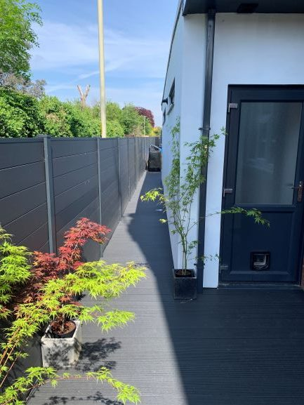 Saige Contemporary Fencing in Charcoal with Charcoal decking