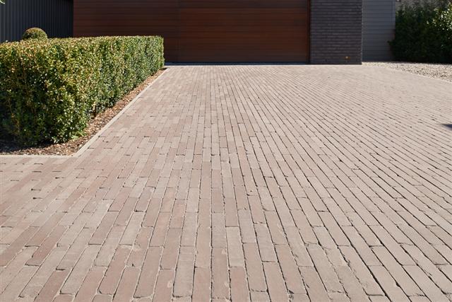 Triton Tumbled Clay pavers