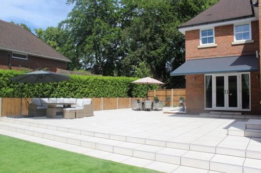 Pro Porcelain Aspect Ivory patio with steps